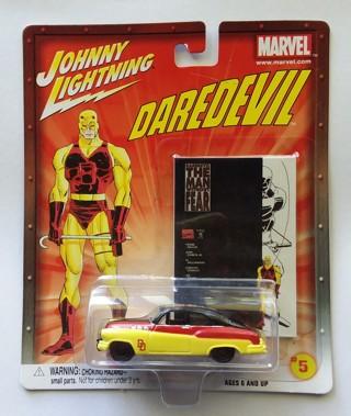 Johnny Lightning Marvel Comics DAREDEVIL Die-Cast Car w/ Trading Card