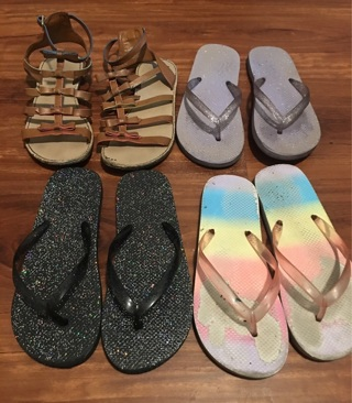 4 Pair Of Shoes Sizes 1/2