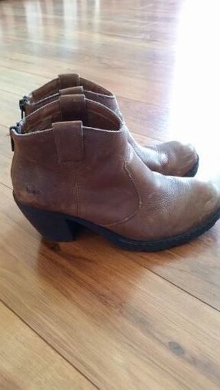 B.O.C. Born ankle boots Size 7