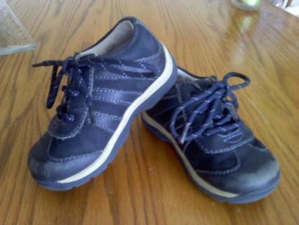 Stride Rite Size 6 Sneakers