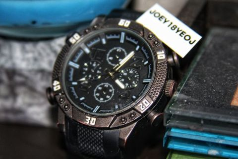 STAINLESS STEEL BACKING WATCH