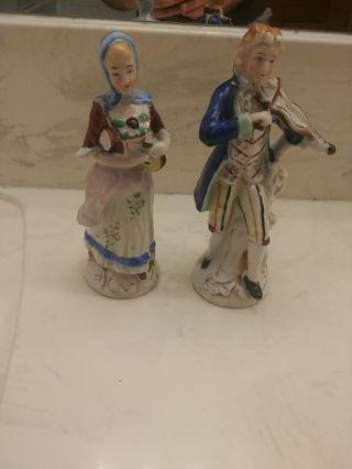 Porcelain Colonial man & woman figurines Occupied Japan