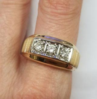 14k gold 1/2ct Diamond Ring