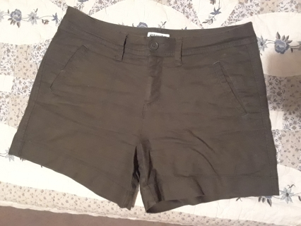 Ladies Shorts by St. John's Bay.......size 8