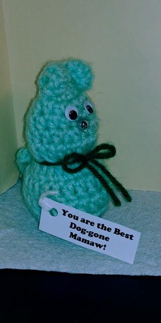 "Crochet Dog (B-7539) Mint Green -- ""Best Dog-gone Mamaw"""