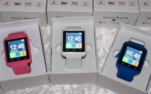 1 - N.I.B. BLUETOOTH SMART WATCH / TOUCHSCREEN / YOUR CHOICE OF COLORS / BLUE OR PINK