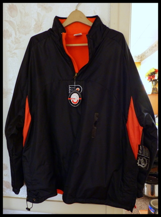 NWT Size 2X Men or Women NHL Flyers Reversible Quarter Zipper Winter Jacket