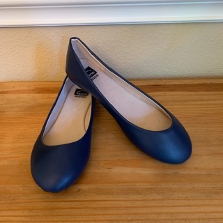BNWOB Women's Navy Blue Round Toe Slip On Flats Shoes - Size 8 (Please Read)