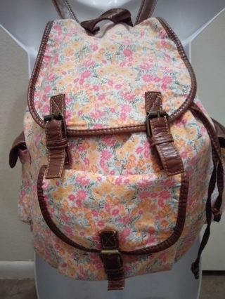 Darling floral backpack
