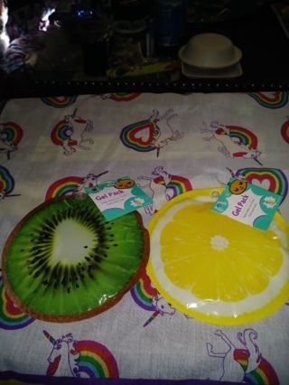 ❤✨❤2 BRAND NEW REUSABLE FRUIT GEL/ICE PACKS❤✨❤(KIWI SLICE & LEMON SLICE)