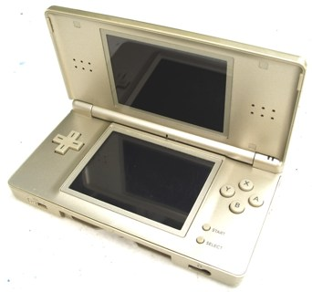 free nintendo ds lite broken gold champagne colored nintendo consoles auctions. Black Bedroom Furniture Sets. Home Design Ideas