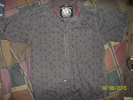 Shirt covered with Little skulls all over Size L