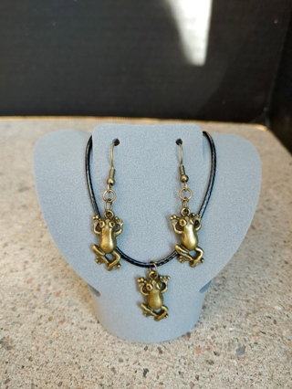 Cute Simple Frog Charms Matching Necklace and Earrings Set Nature Theme