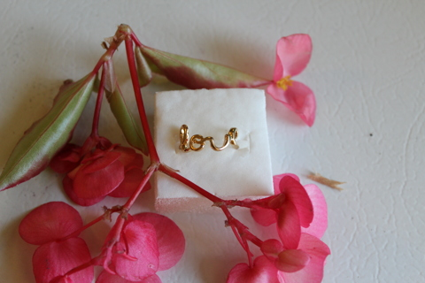 *New* Cute Love Ring!! Lots of pictures. take a LQQK!!