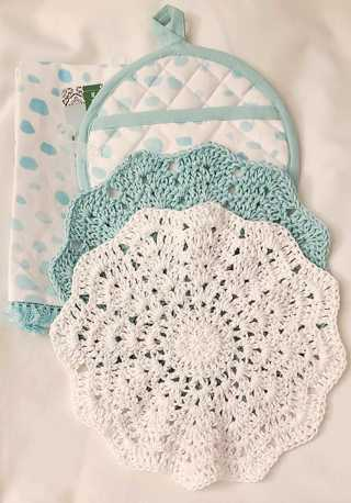 "Crochet SPRING  2 - 9"" Dish Cloth/Wash Cloths 1 flour sac towel 1 pocket pot holder"