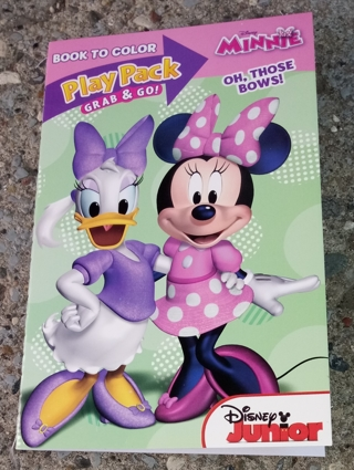MINNIE MOUSE AND DAISY DUCK AND FRIENDS SMALL COLORING BOOK WITH STICKERS USE YOUR OWN CRAYONS