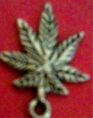 Hippie Hemp Leaf