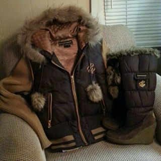 ☆☆☆Rocawear...☆☆☆ Furr Trimmed Jacket and Snow-Boots!!!