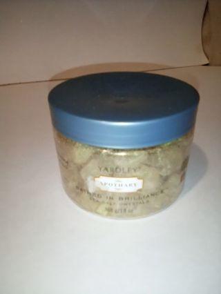 Yardley Bathed in Brilliance Sea Salt Crystals