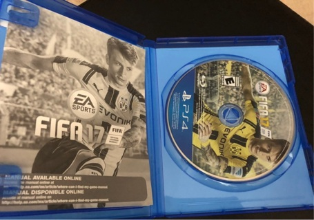 FIFA 17 ps4 free shipping