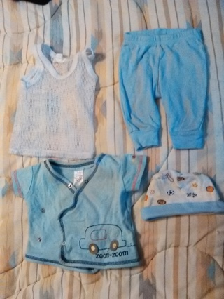 0-3 MONTHS BABY BOYS CLOTHES AND HAT -- GREAT CONDITION!!
