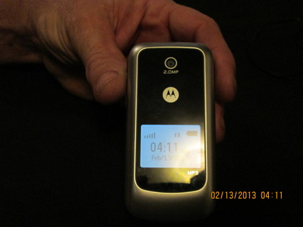 Free: TRACFONE Motorola W418G Cell Phone - Phones - Listia com