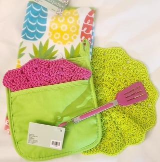 "Crochet 2 - 9"" Dish Cloth/Wash Cloths 1 TERRY CLOTH TOWEL 1 POTHOLDER 1 PAIR TONGS"
