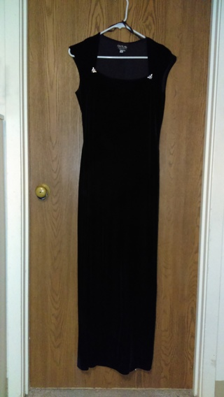 "Women's Black ""Onyx Nite"" Gown by Wendy  E. Chaitin-Sz 10"