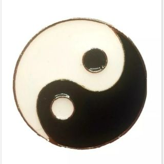 Yin and Yang pin black and white New free ship