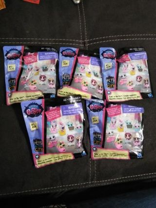 5 Littlest Pet Shop Blind Bags Putting on the Glitz