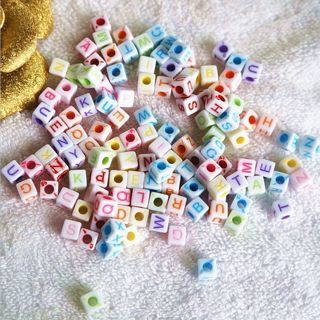 100PCs 6x6mm Mixed Alphabet/Letter Acrylic Cube Beads