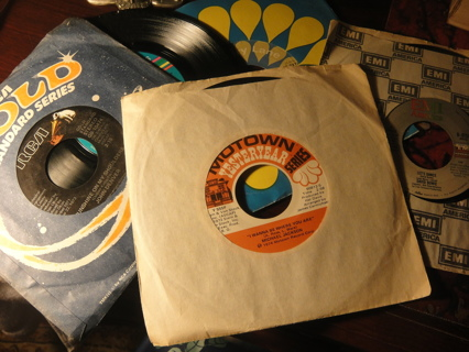 5 45's in sleeves Michael Jackson, Meatloaf, John Denver, Kool and the Gang, David Bowie