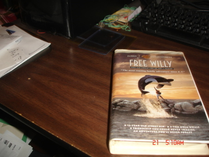 free willy,vhs movie,exc cond.