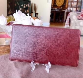 Authentic Louis Vuitton Epi Checkbook