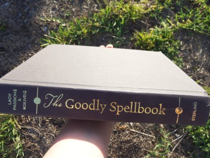 THE GOODLY SPELLBOOK ~ Huge Hardcover Book of Spells ☽✪☾ Wicca Witchcraft Magic Pagan ☽✪☾