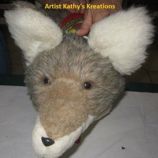 stuffed-coyote-kathys-kreatons-howling-moon