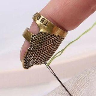 [GIN FOR FREE SHIPPING] 3PCS Thimble Finger Protector Shield Metal Sewing Needles