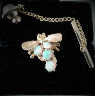 ✿✿♡☮Estate Find Solid 14K 4 Opal Honey Bee Pin Full of Fire☮♡✿✿