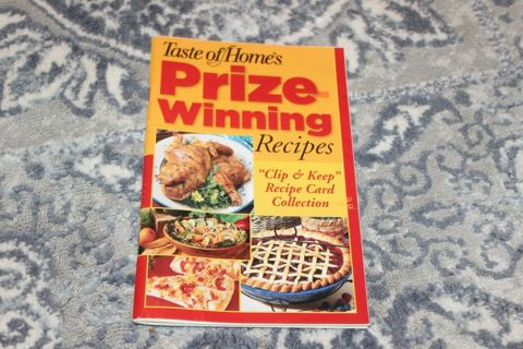 2006 Taste of Home's Prize-Winning Recipes 99 Pages Cookbook