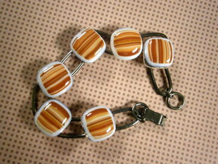 Free Nwt Crafted Fused Gl Bracelet Gunmetal Links Orange And White Jewelry Mail