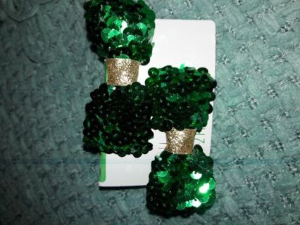 New Green Sparkly Hair Bows WIN 3 AUCTIONS IN 3 DAYS- GET FREE PRIZE***