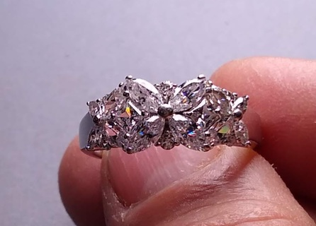 RING A FANTASTIC BEAUTY STERLING SILVER WITH SUPER NICE CZ'S VINTAGE AND YOU GOT IT SIZE 9 LOOK!