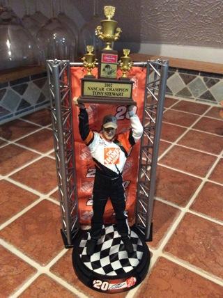 TONY STEWART MCFARLANE Action Figure Nascar Series 1 w/ Championship Trophy
