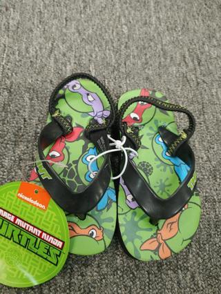 NWT!  TMNT Toddler Flip Flops--Size 5/6