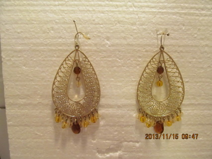 GOLD TONE FILIGREE SETTING WITH BEADS EARRINGS FOR PIERCED EARS
