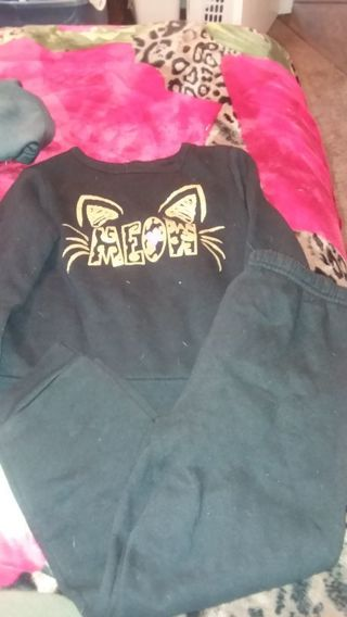Girl size 5T jogging suit
