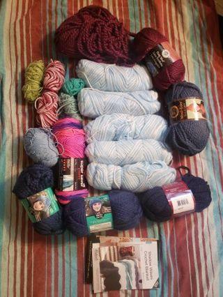Huge yarn Lot plus bag