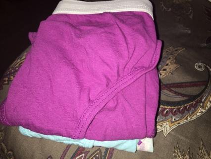 Women's panties by Hanes size (7)