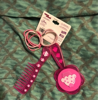 BNWT EXPRESSIONS: Express Yourself Set. Pretty Pink Mirror/Comb/6 Hair Bands. Ages 5+