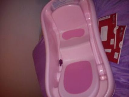 Free: pink baby bath tub used in good condition - Other Baby Items ...